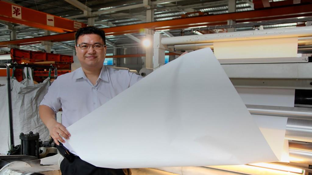 Découvrez le papier-pierre avec Henry Liang