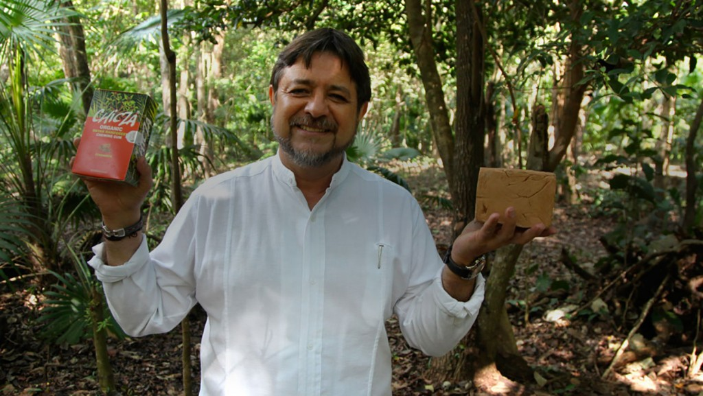 Essayez le chewing-gum bio avec Jesus Manuel Aldrete.