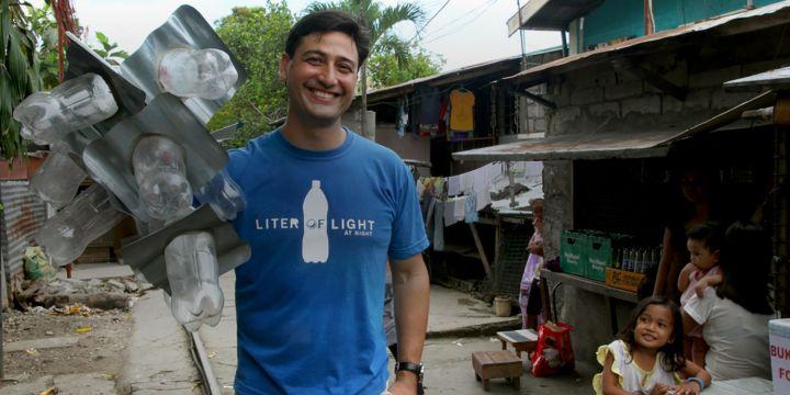 Découvrez la lumière en bouteille avec Illac Diaz