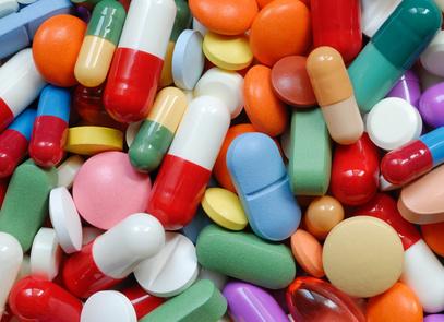 Pills and capsules macro