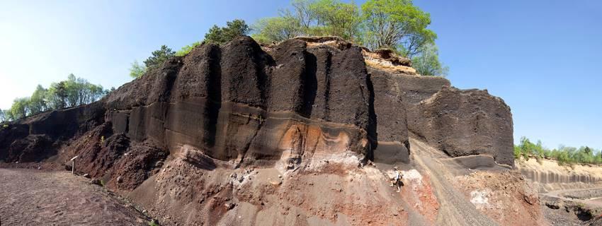 géologue et scories 1